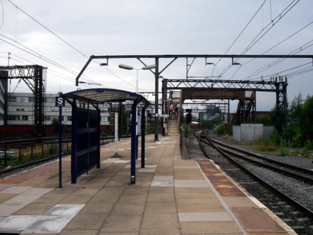 Photo of Ardwick station platform