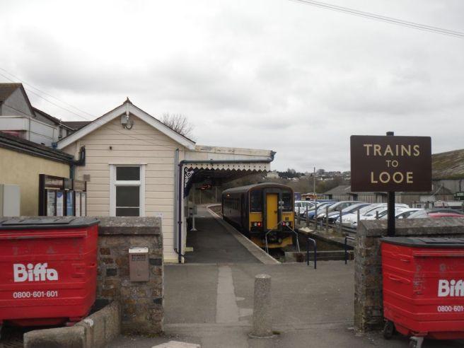 Photo of Biffa bins at entrance to Looe branch platform