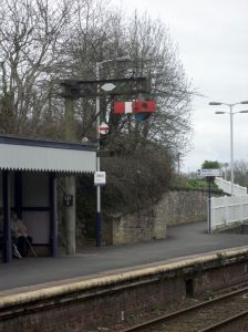 Photo of semaphore signal at Liskeard station
