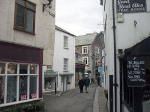 Photo of narrow streets in Looe