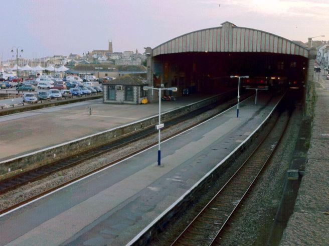 Penzance station platforms