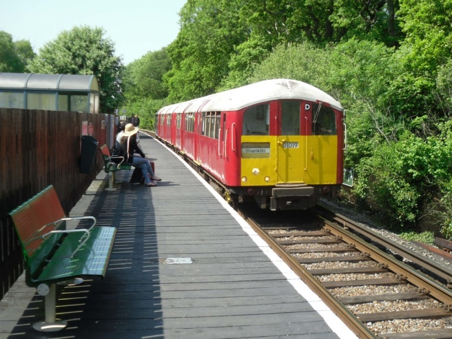 Island Line train at Smallbrook Junction