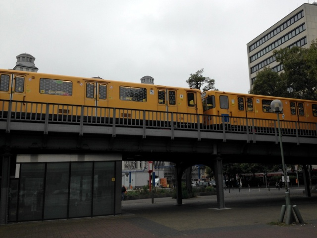 U2 train Nollendorfplatz
