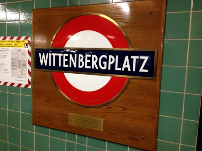 Wittenbergplatz London Underground roundel